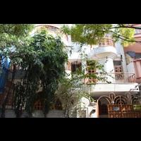 Navi Royal PG Pg in Delhi