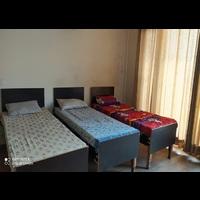 Divesh PG  in H-1, Noida