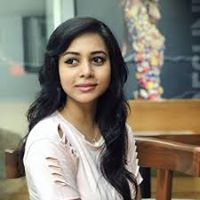 Surbhi Jain Searching Flatmate In Ghaziabad