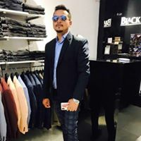 Anand Singh Searching For Place In Noida