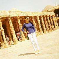 Suruchi Tiwari Searching Flatmate In Gujarat