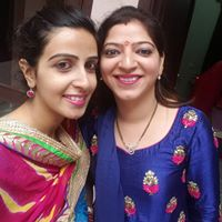 Lavika Mehta Searching Flatmate In Delhi