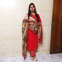 Richa Chaudhary Searching For Place In Noida