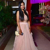 Akansha Sharma Searching For Place In Noida